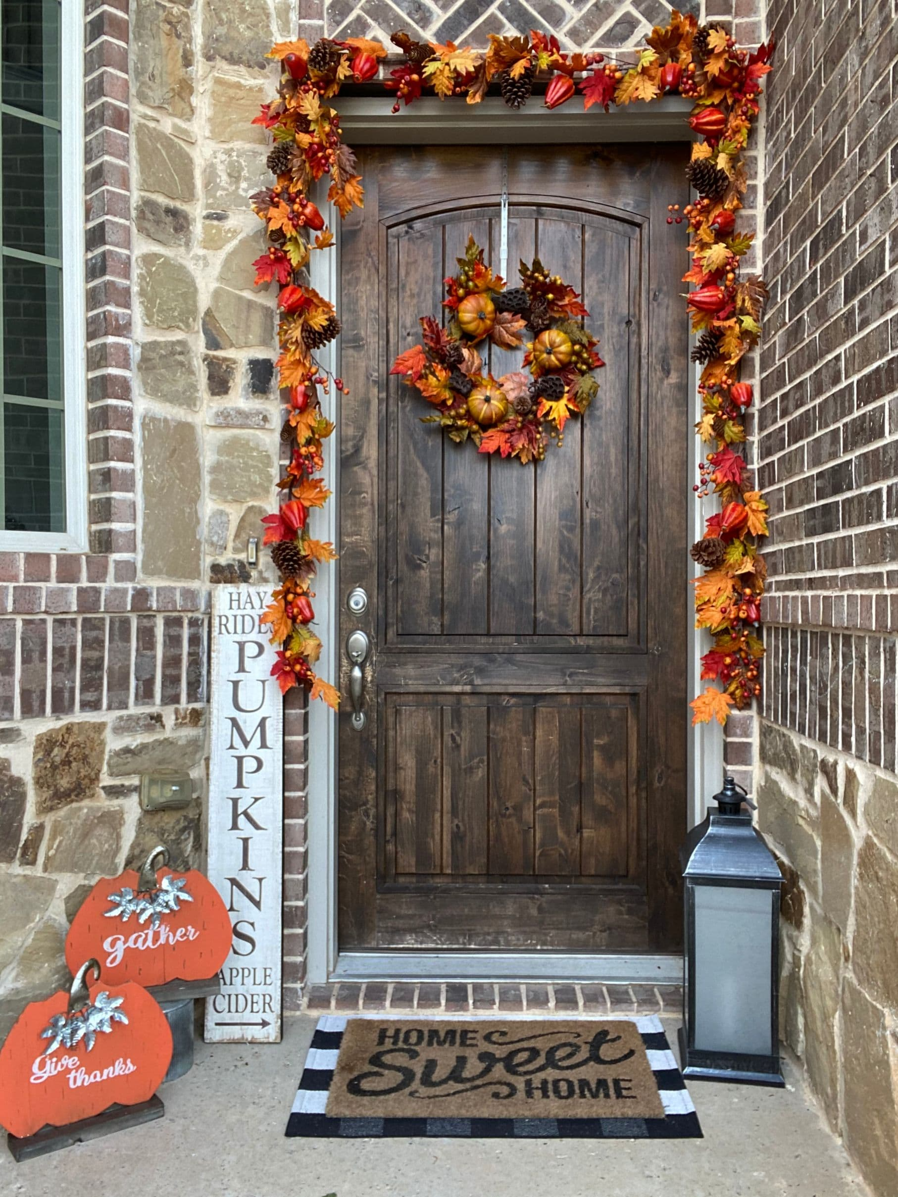 Putting Up Front Porch Fall Decor Decorator S Warehouse