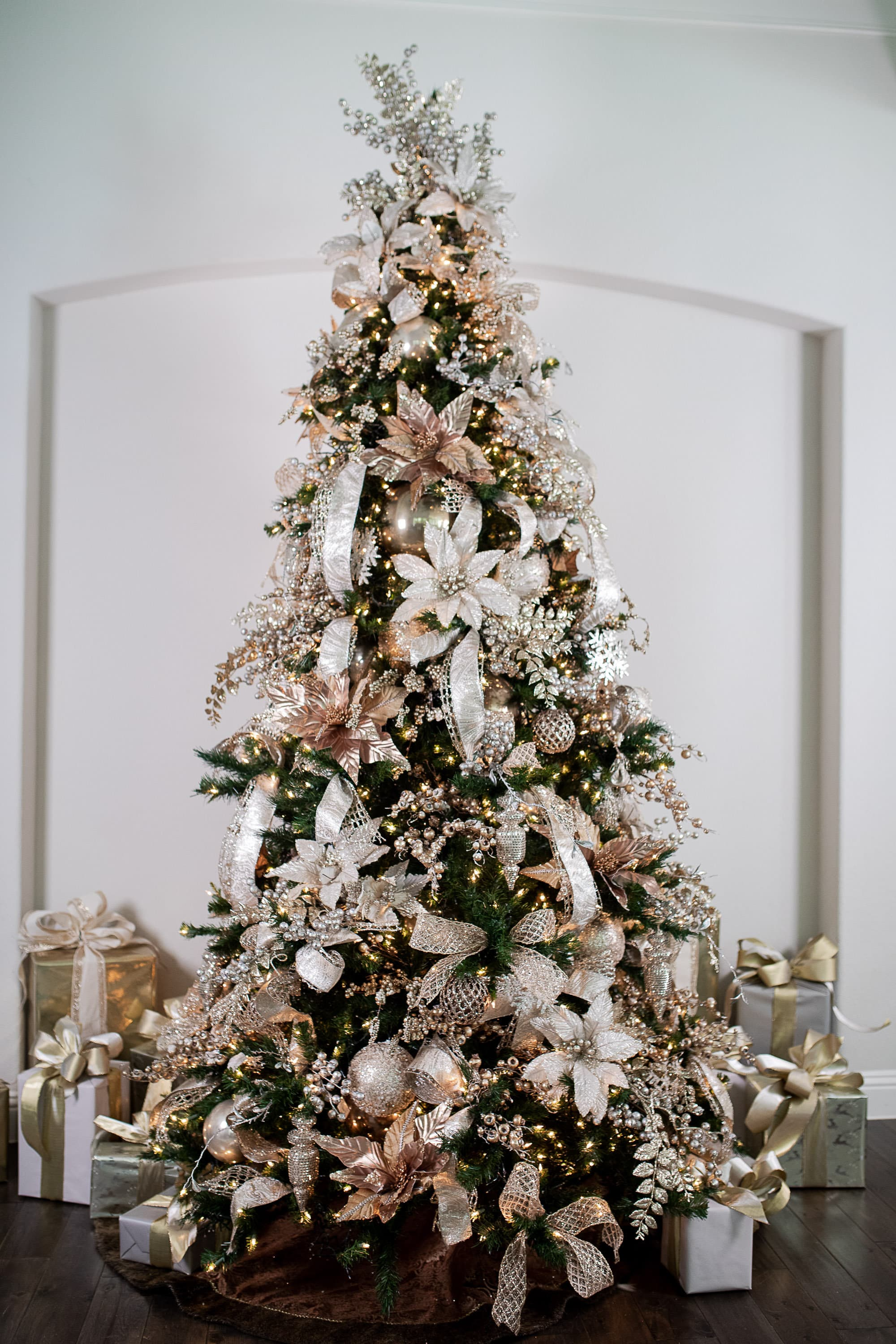 How To Theme Your Christmas Tree Decorator S Warehouse